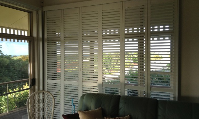 Bi-fold Hinged Plantation Shutters